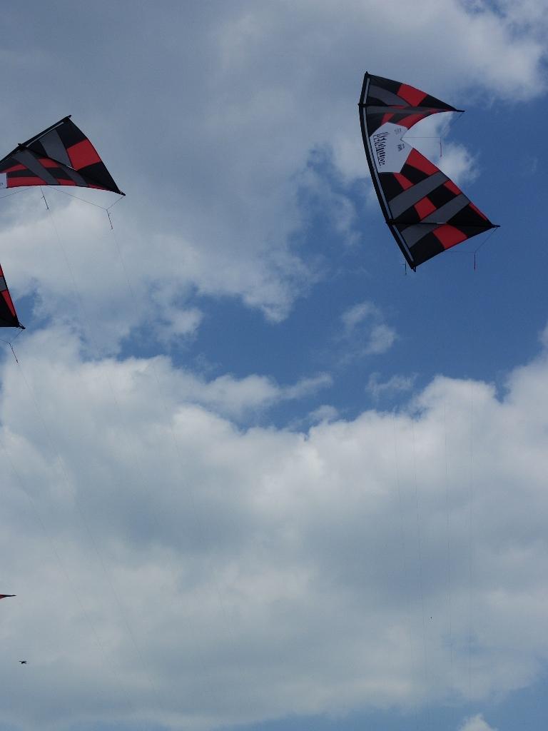 Dubbel Rev kites